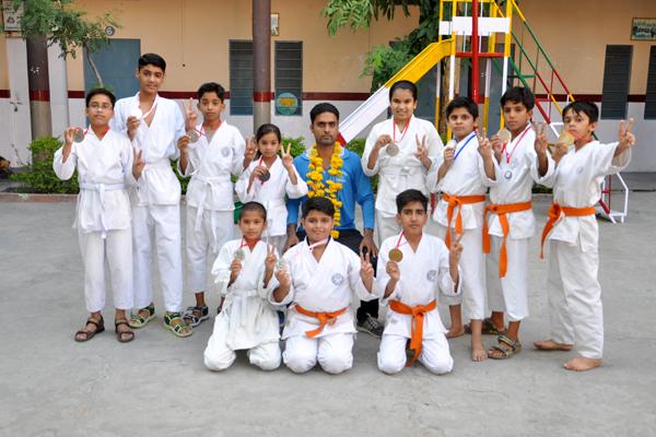 Medlist of National Karate Championship at Talkatora stadium, New Delhi