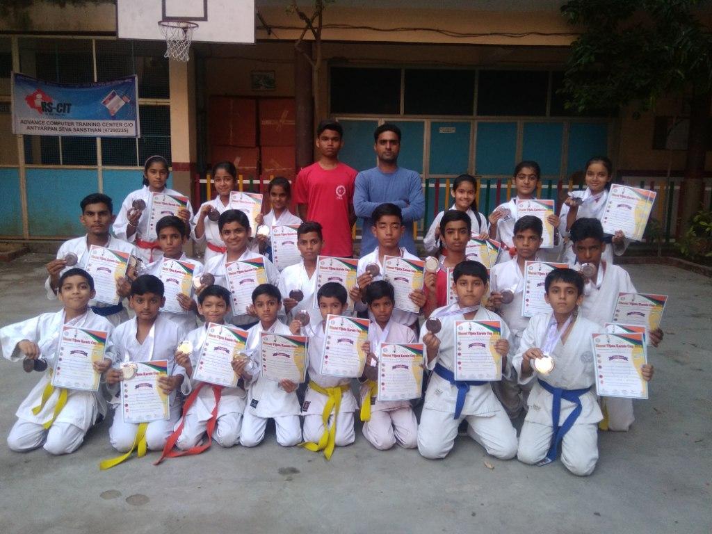 Bharat vijeta cup (National Karate Championship) medalist